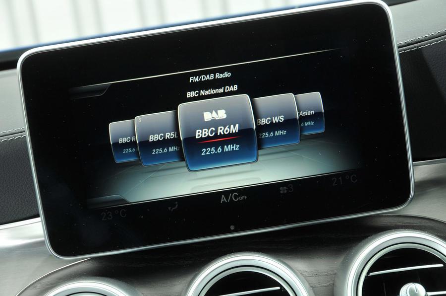 Mercedes-Benz C 250 d Coupé infotainment system