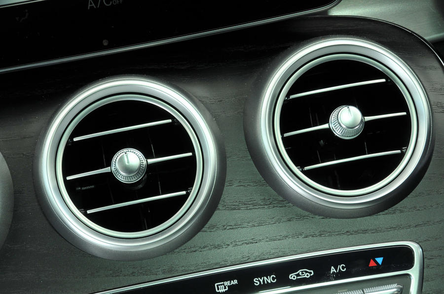 Mercedes-Benz C 250 d Coupé air vents