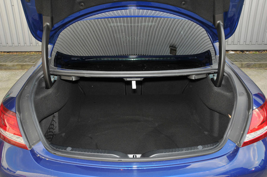 Mercedes-Benz C 250 d Coupé boot space