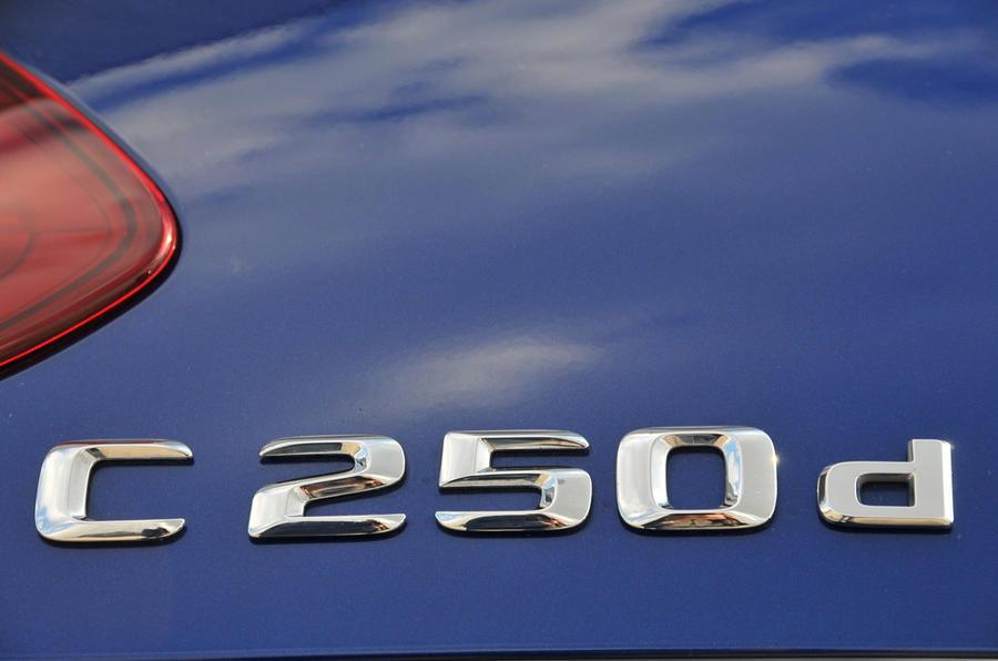 Mercedes-Benz C 250 d badging