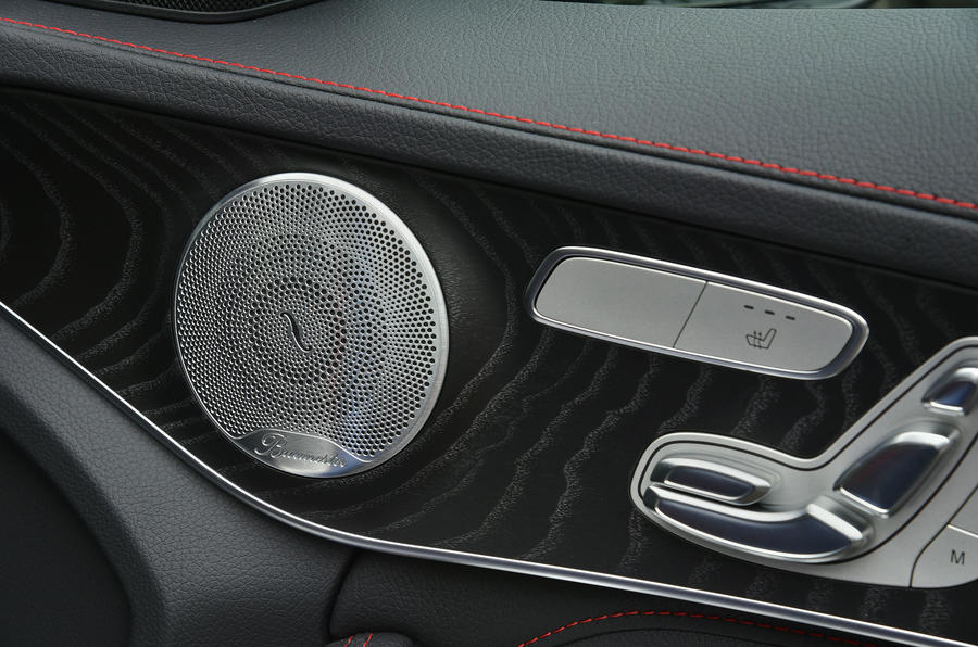 Mercedes-AMG C 43 Burmeister stereo