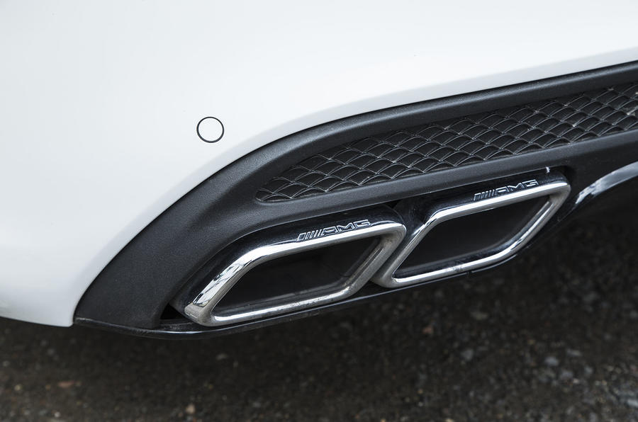 Mercedes-AMG C 63 quad exhausts