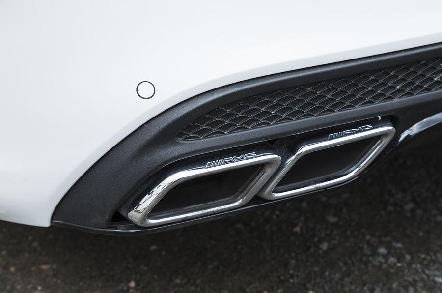 Mercedes-AMG C 63 quad exhausts