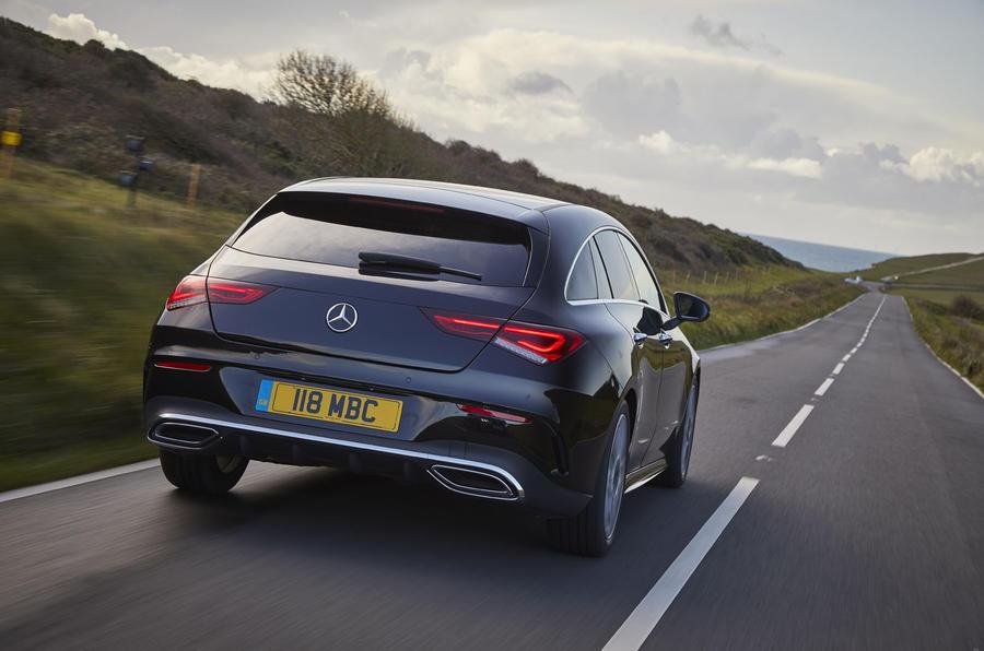 Mercedes CLA Shooting Brake rear close moving