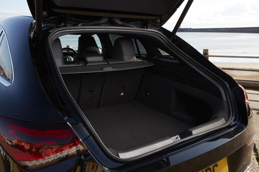 Mercedes CLA Shooting Brake boot
