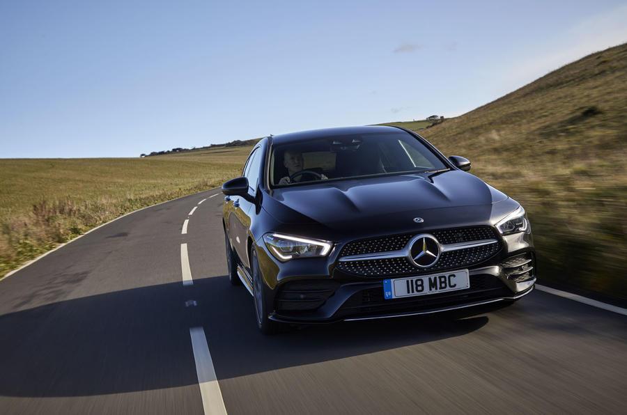 Mercedes CLA Shooting Brake  front moving