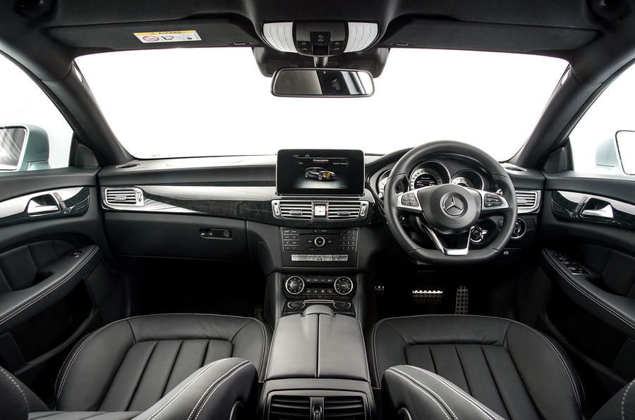 Mercedes-Benz CLS dashboard