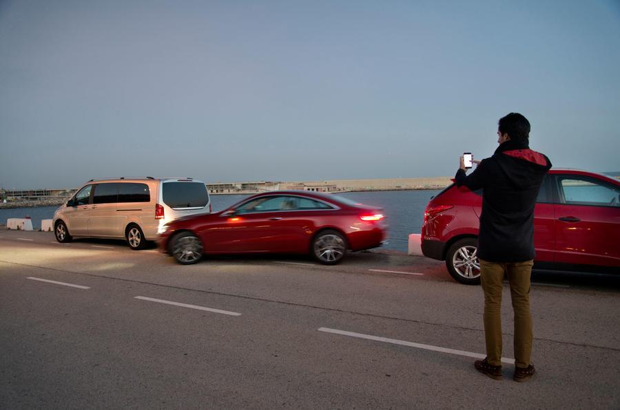 Mercedes-Benz E-Class Coupe E 220 d 4Matic parallel parking