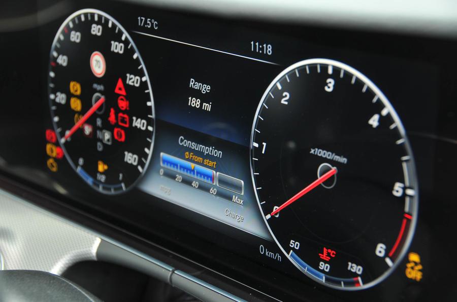Mercedes-Benz E 350 d digital instrument cluster