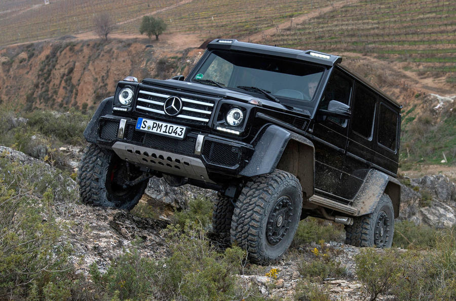 Mercedes-Benz G 500 twisting axles