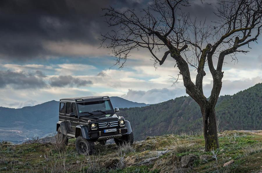 Mercedes-Benz G 500 4x4 proper off-roading