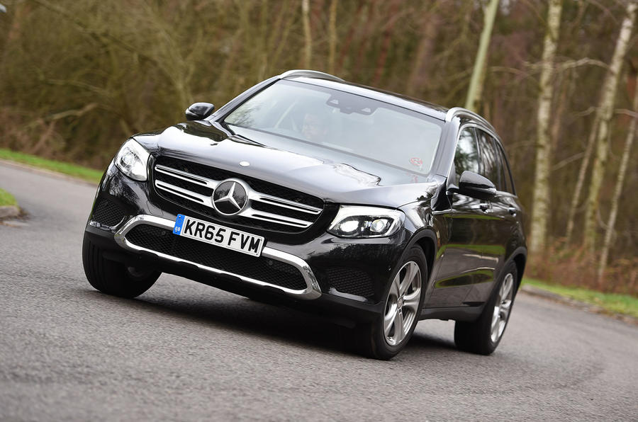 Mercedes-Benz GLC 220 d cornering