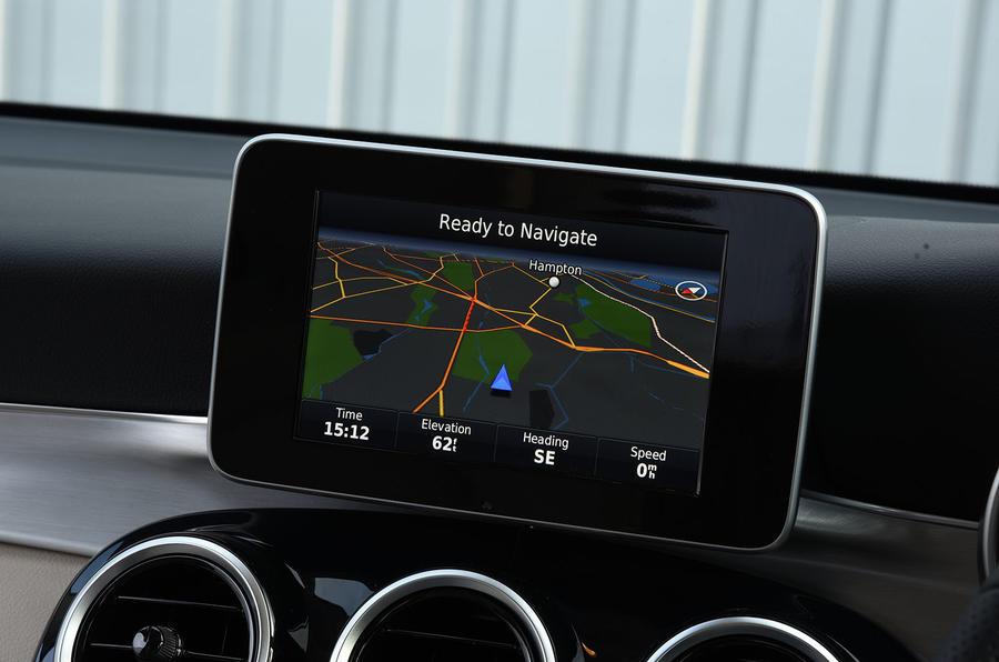 Mercedes-Benz GLC 220 d infotainment
