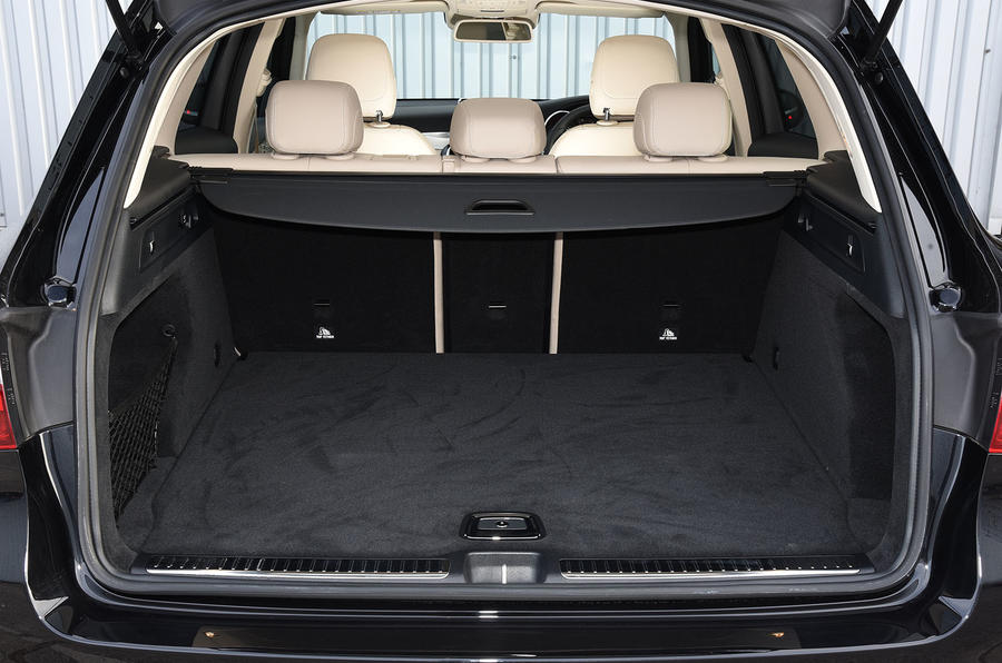 Mercedes-Benz GLC 220 d boot space