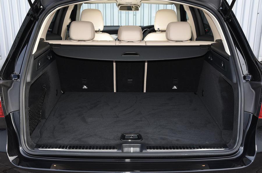 Mercedes-Benz GLC 220 d boot space