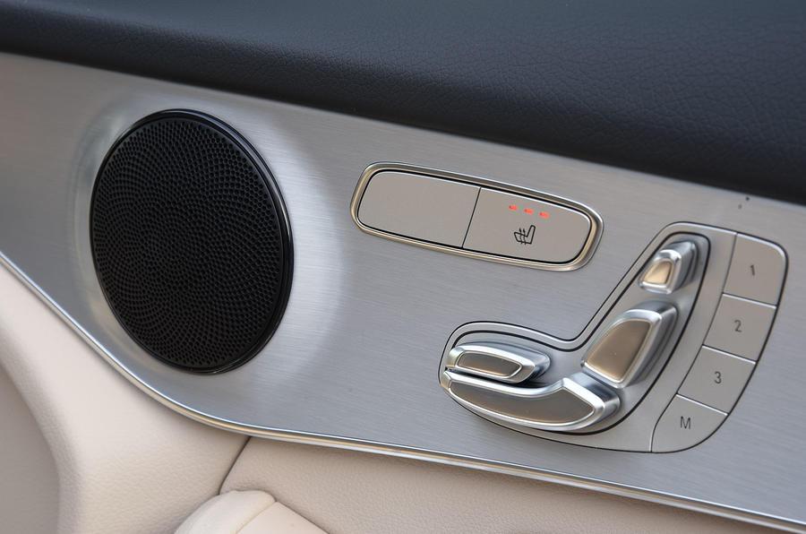 Mercedes-Benz GLC 220 d seating adjustment
