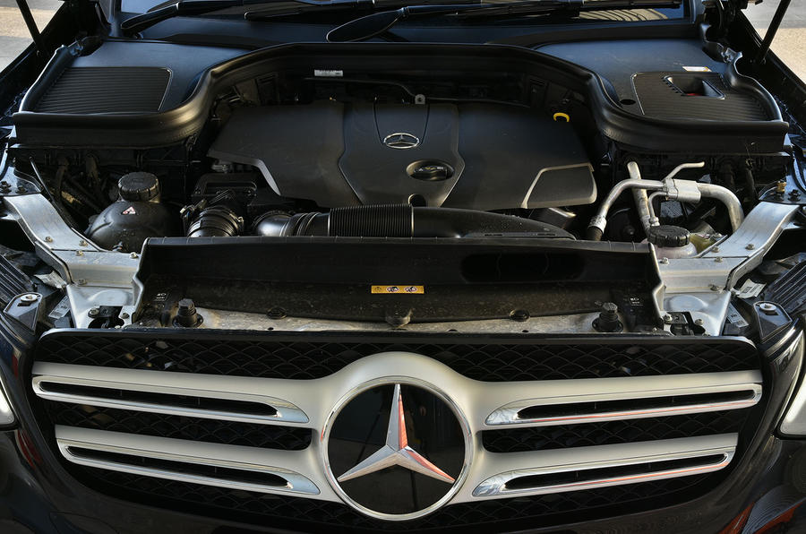 Mercedes-Benz GLC 220 d engine bay