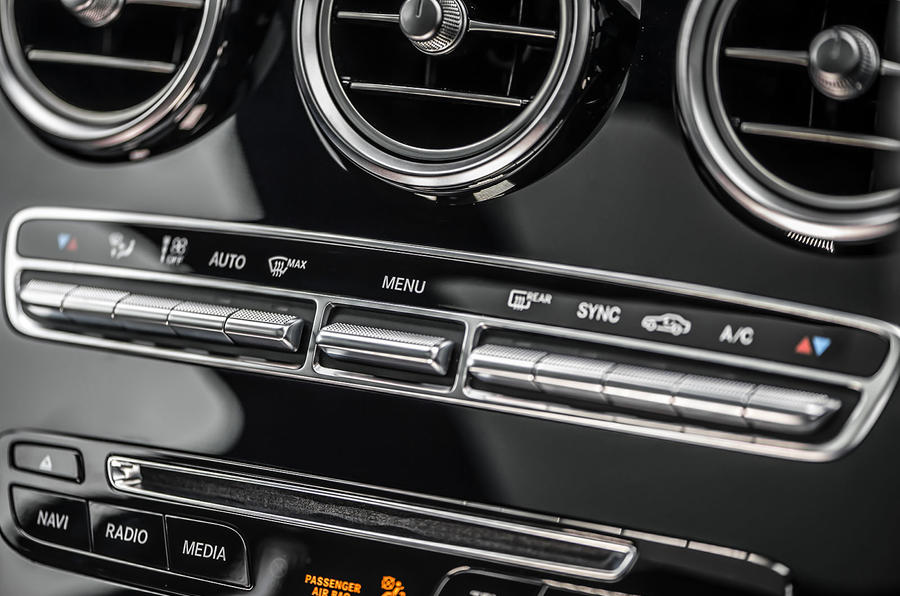 Mercedes-Benz GLC 250 d climate controls