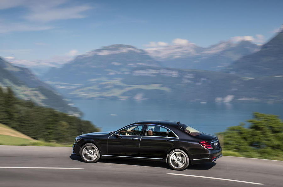 Mercedes-Benz S400d 4Matic side profile