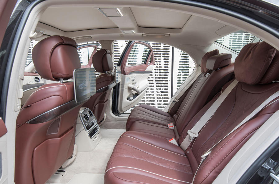 Mercedes-Benz S400d 4Matic rear seats