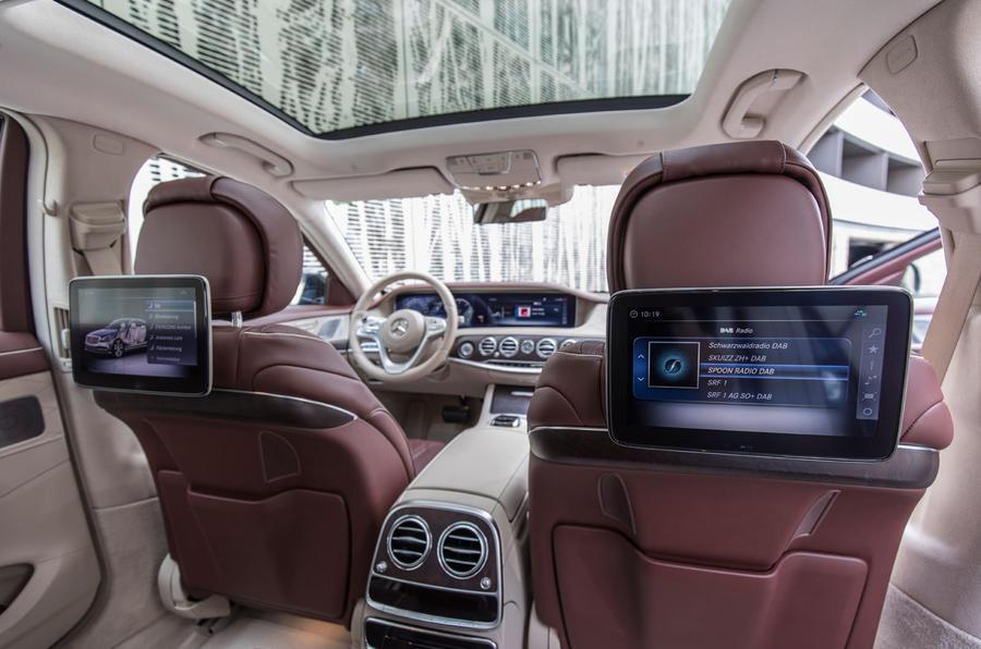 Mercedes-Benz S400d 4Matic rear TV screens