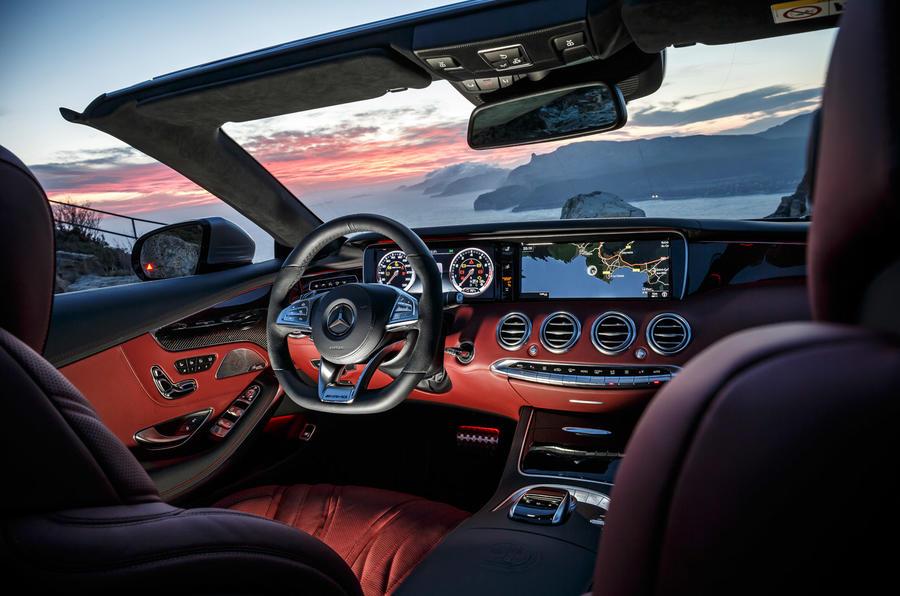 Mercedes-AMG S 63 Cabriolet dashboard