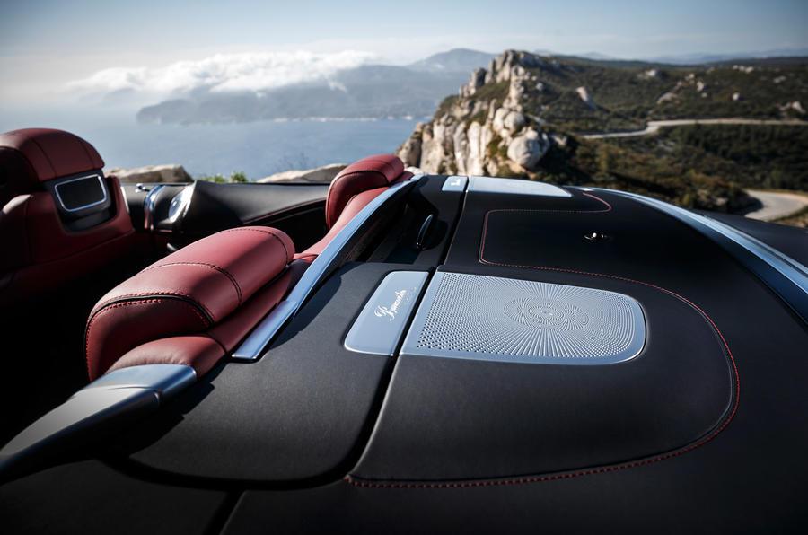 Mercedes-AMG S 63 Cabriolet speakers