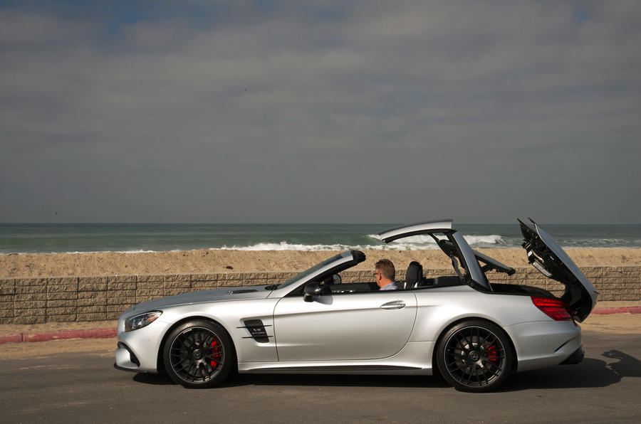 Mercedes-AMG SL 63 roof opening