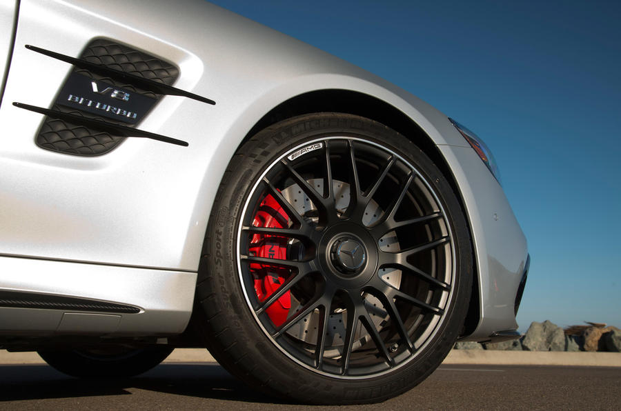 Mercedes-AMG SL 63 red brake calipers