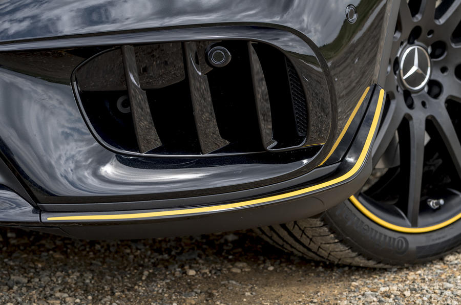 Mercedes-AMG GLA 45 front diffuser