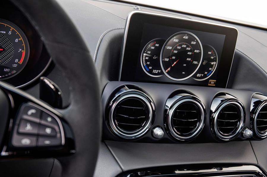 Mercedes-AMG GT C infotainment system