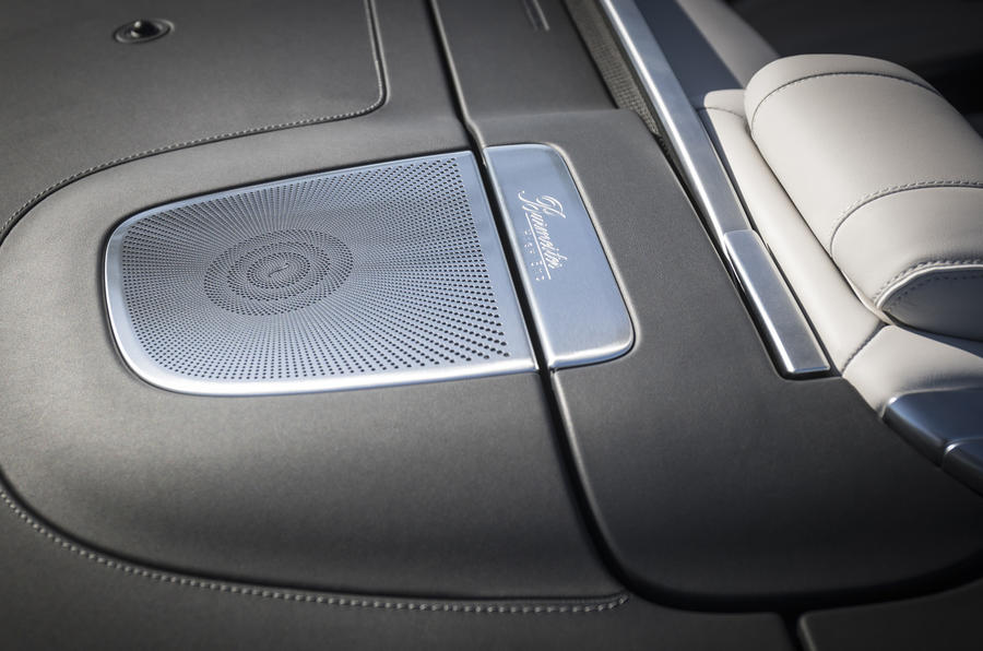 Mercedes-AMG S63 Cabriolet Burmester stereo