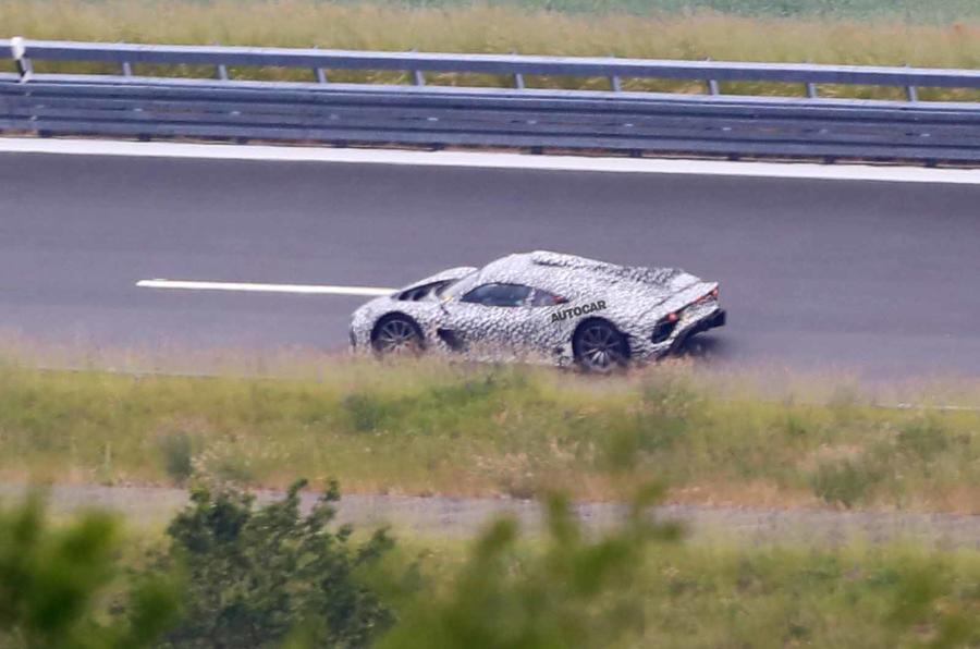 Mercedes AMG One spyshots bên