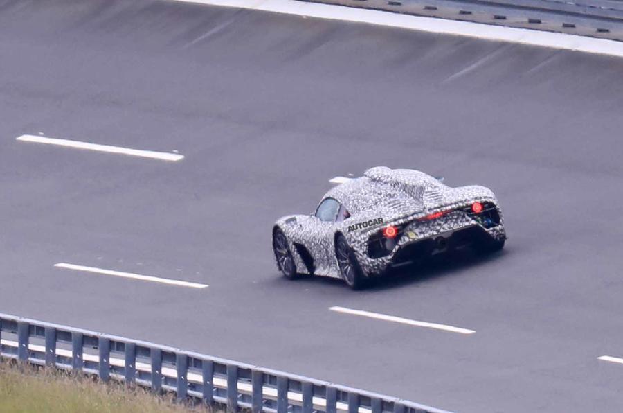 Mercedes AMG One Spyshots phía sau