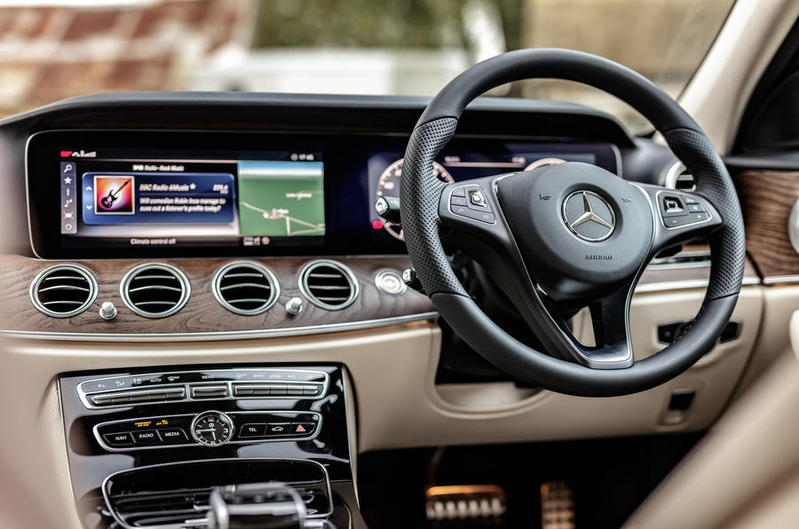 Mercedes-Benz E-Class All-Terrain dashboard