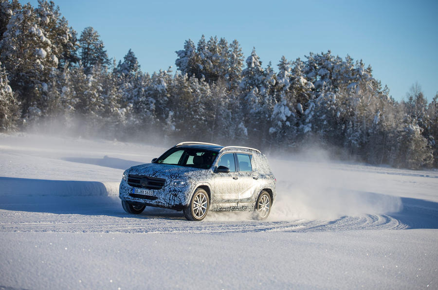 Mercedes-Benz GLB prototype ride 2019 - snow drift front left