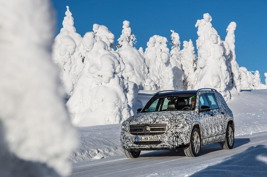 Mercedes-Benz GLB prototype ride 2019 - trees front