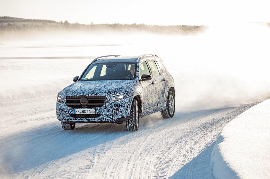 Mercedes-Benz GLB prototype ride 2019 - cornering