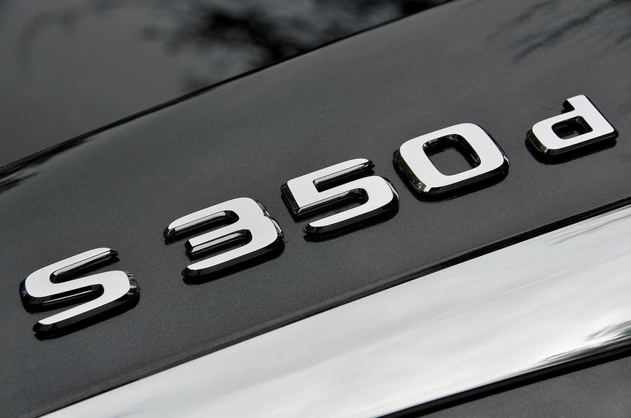 Mercedes-Benz S350d badging