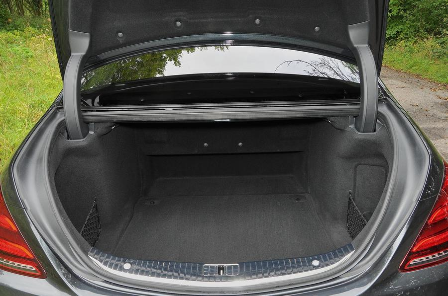 Mercedes-Benz S350d boot space