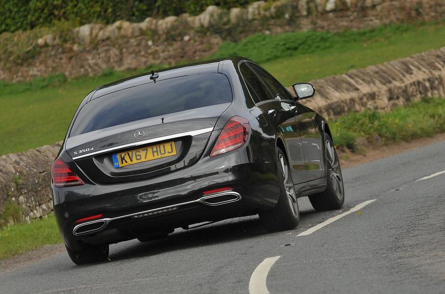 Mercedes-Benz S350d rear cornering