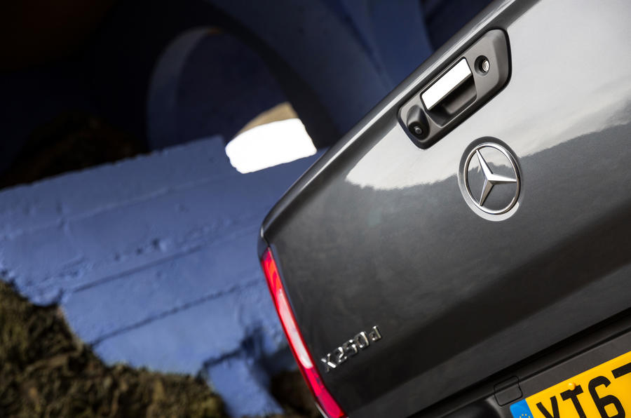 Mercedes-Benz X-Class rear view camera