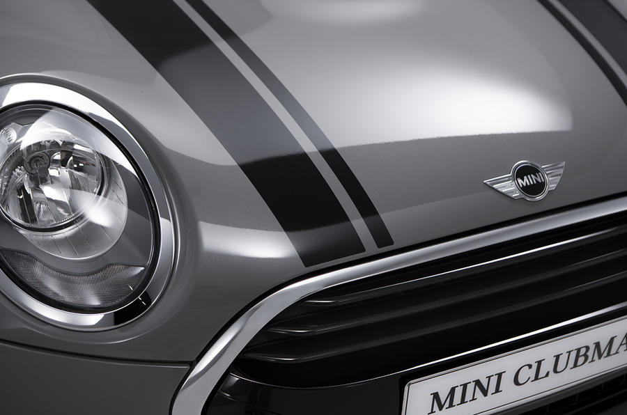Mini Clubman bonnet stripes