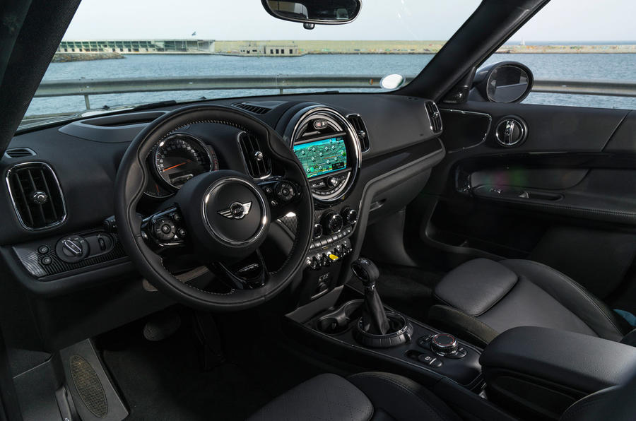 Mini Countryman S E Cooper All4 interior