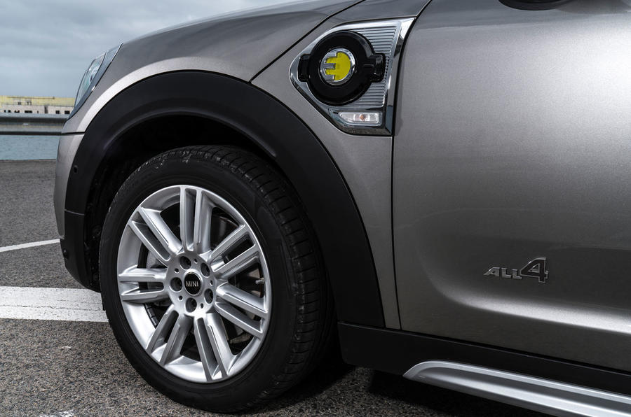 Mini Countryman S E Cooper All4 alloy wheels