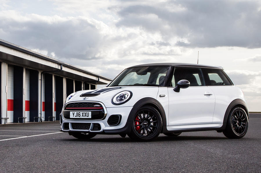 mini john cooper works challenge at goodwood autocar. Black Bedroom Furniture Sets. Home Design Ideas