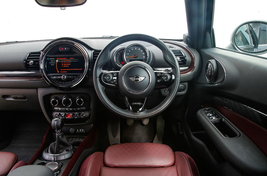 Mini Cooper S All4 Clubman dashboard