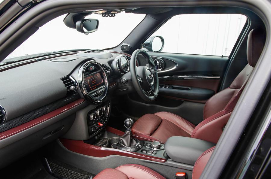 Mini Cooper S All4 Clubman interior