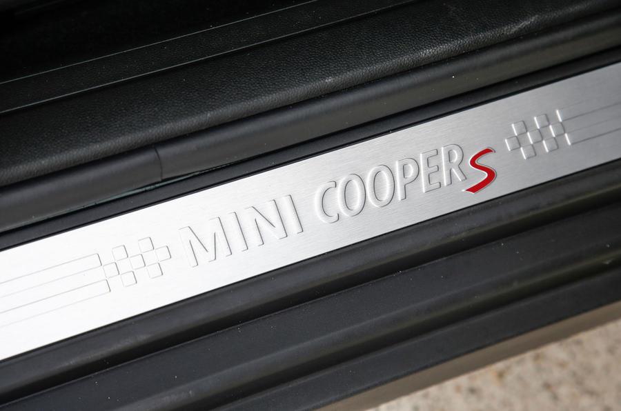 Mini Cooper S All4 Clubman scuff plates