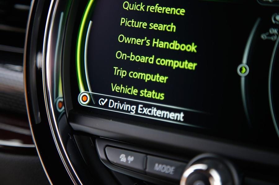 Mini Cooper S All4 Clubman driving dynamics